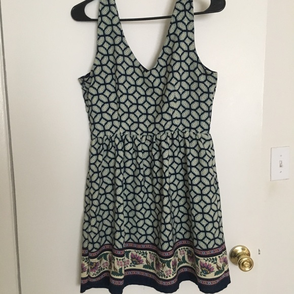 one clothing Dresses & Skirts - Worn once! Pretty summer paisley dress 👗